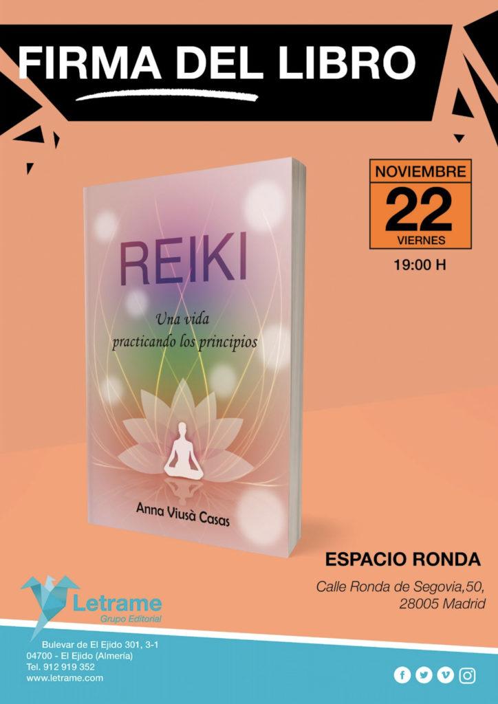 """Firma del libro """"Reiki, una vida practicando los principios"""" Anna Viusà Casas"""